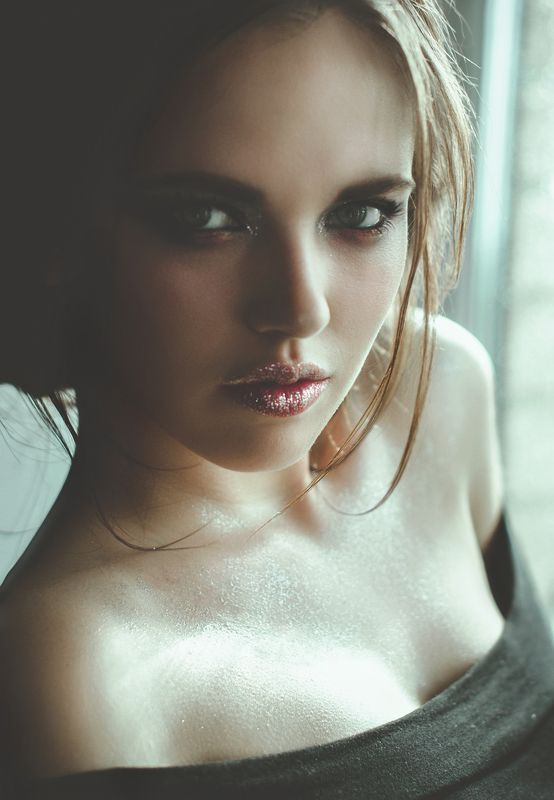 pretty, girl, portrait, soft, light, silver, makeup Keep breathingphoto preview