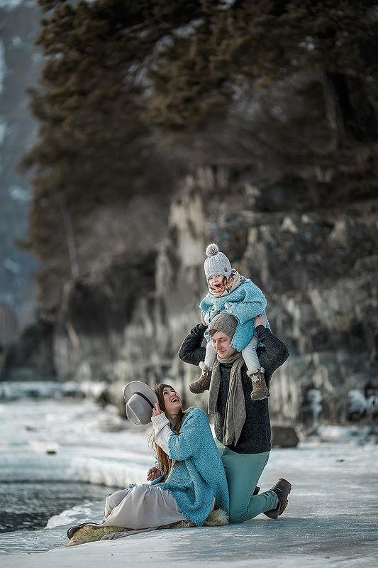 семья, дети, природа, горы, девушка Семьяphoto preview