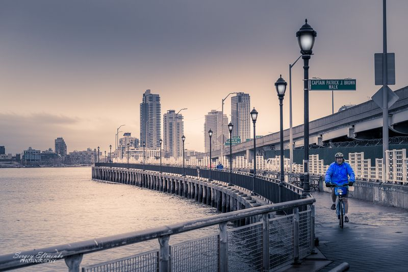 eastriver, newyork, city, urban, street East River bank, New Yorkphoto preview