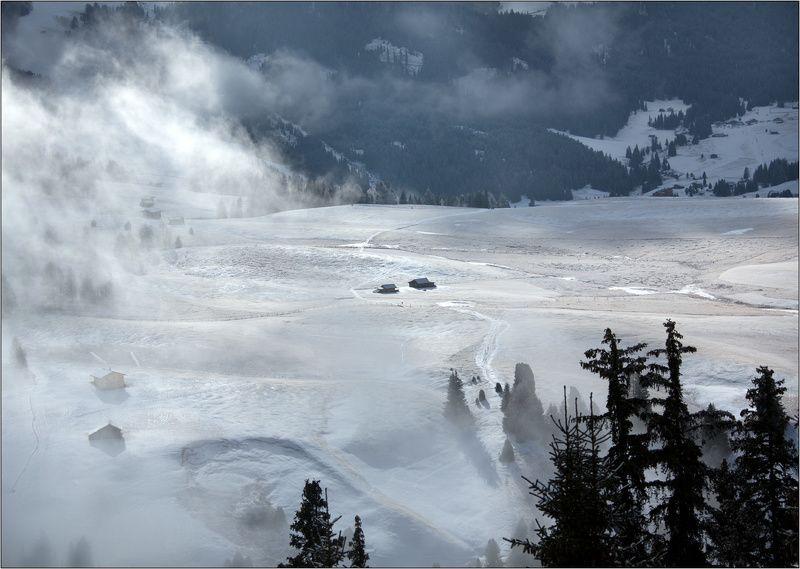 италия селла-рондо горные лыжи горы долина туман облака Домик в деревнеphoto preview