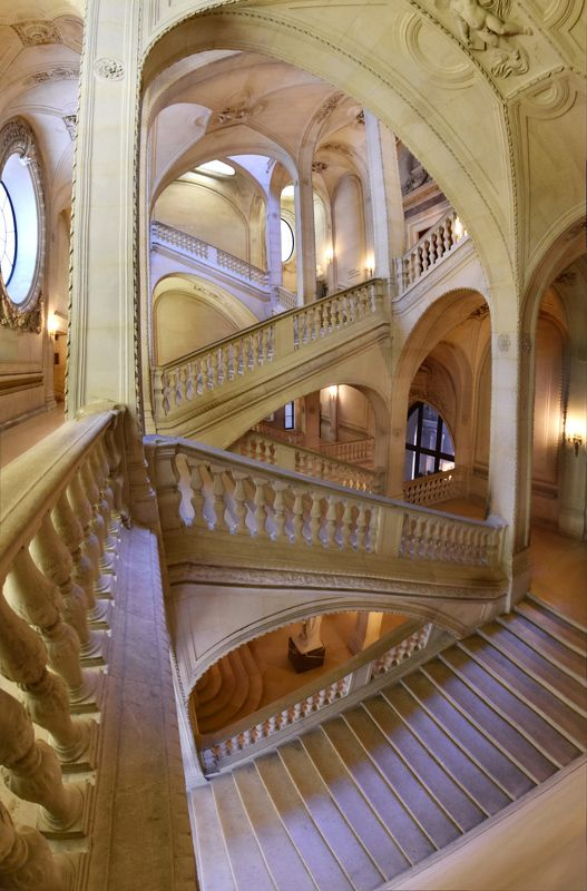 louvre, paris, stairs, staircase, arches, columnes, archtecture, lighht, panorama, wide-angle Эшерескаphoto preview