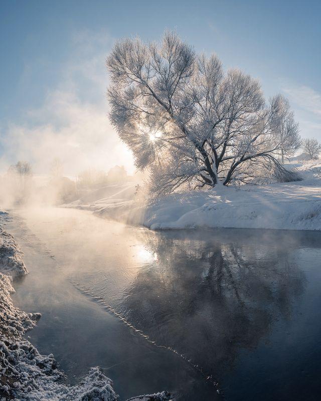 мороз, иней, пар, отражение, зима Немного солнца в  холодной водеphoto preview