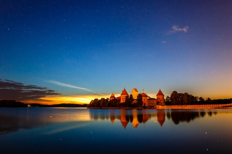 trakai castle, lithuania, sunrise, stars Trakai Castlephoto preview