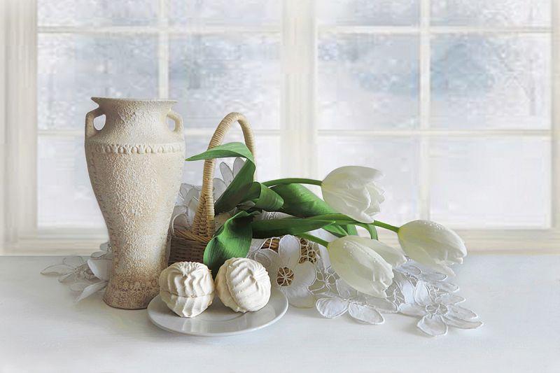 тюльпаны,ваза,корзина,окно Завтра весна!photo preview