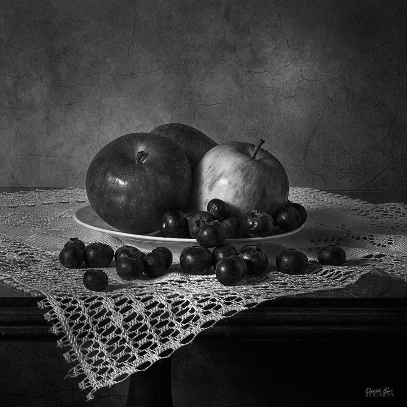 Manzanas y arándanosphoto preview