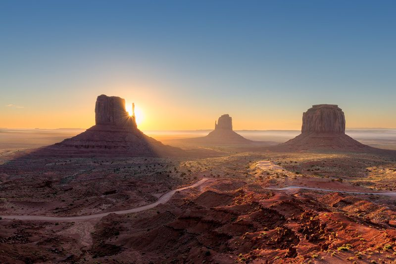 valley, monument, sunrise, arizona, landscape, desert, canyon, usa, sunset, utah, america, grand, rock, west, wild, travel, red, navajo, western, southwest, nature, park Monument Valleyphoto preview
