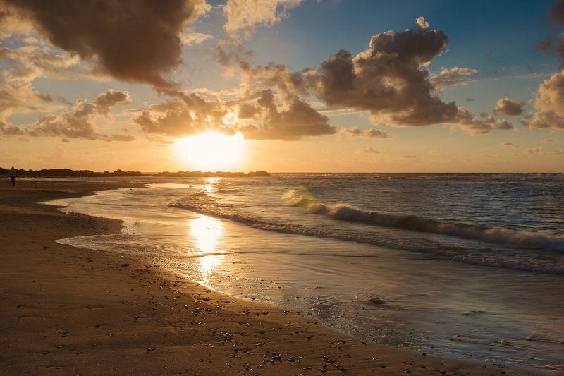 Средиземное море, небо, камни, вода, песок, облака, море, пляж, парк, шторм, национальный парк, израиль, север, закат, солнце, ветер, брызги, волны, весна, природа, пейзаж, лучи,  Средиземное мореphoto preview