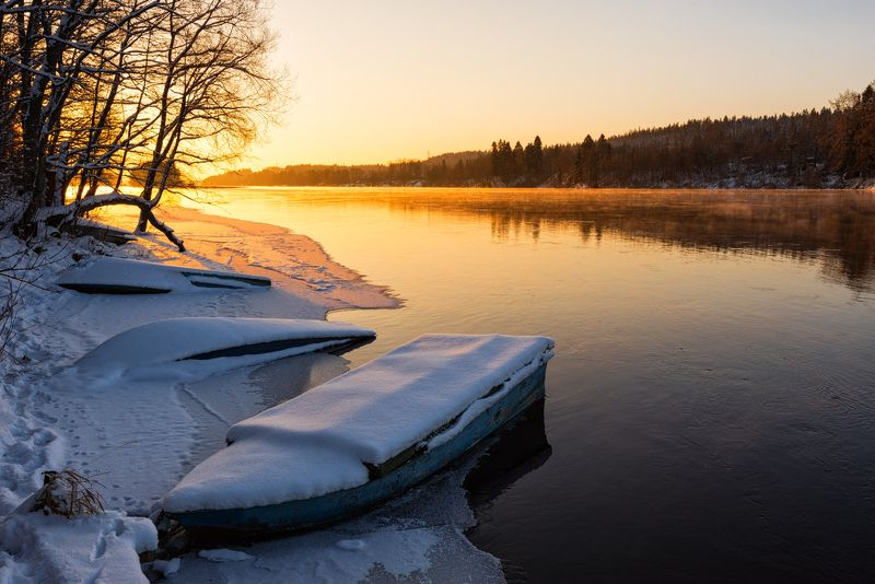 утро свет река рассвет лодки лед зима вуокса берег У берега февральского рассвета...photo preview