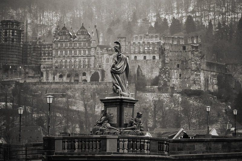 Развалины старого города...photo preview