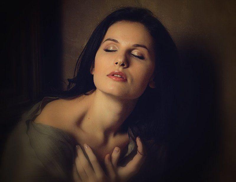 девушка, руки, чувства, ощущения, грезы, Feelingsphoto preview