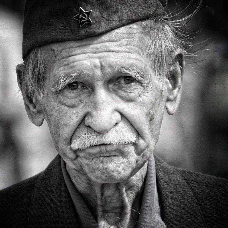 ветеран, война, 9 мая, праздник, со слезами на глазах, память, герои Воевал!photo preview