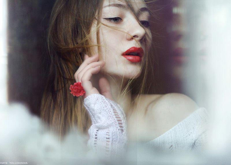 портрет,девушка,автопортрет,ветер,нежность,губы ...photo preview