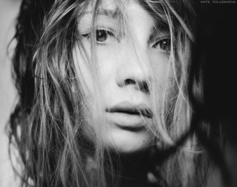 автопортрет,девушка,волосы,локоны,нежность,загадочность,self-portrait, girl, hairs, curls, tenderness, inscrutability, Katerinphoto preview