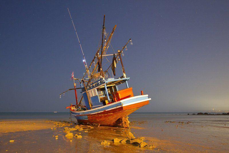 корабель, отлив, таиланд, море Неудачное ночное купаниеphoto preview