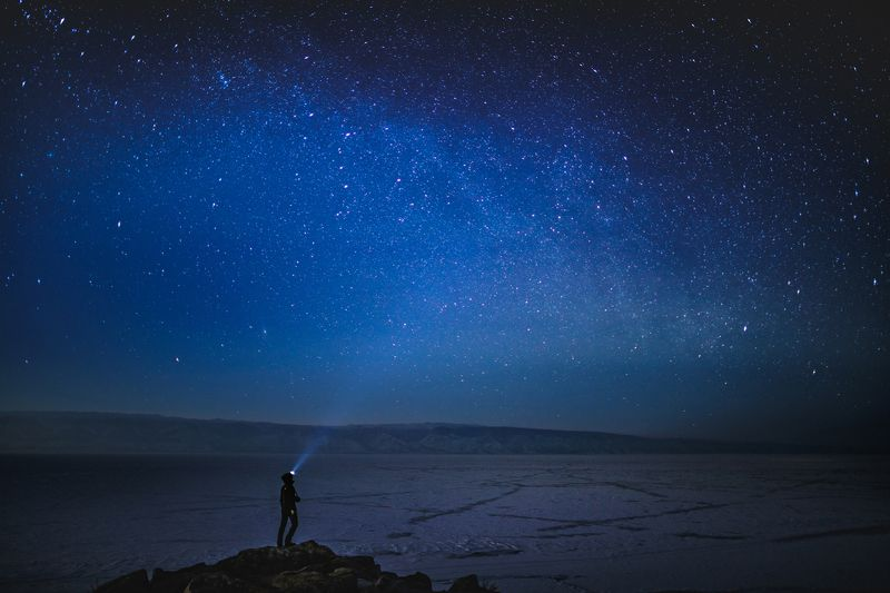 Звездная ночь над Ольхономphoto preview