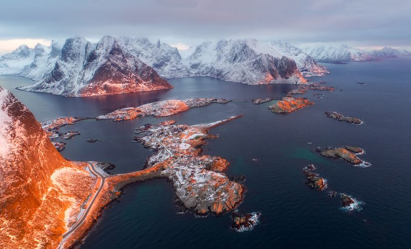 norway, lofoten, reine, winter, snow Оранжевый Рейнеphoto preview