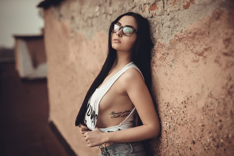 sexy, model, fashion, erotic, lips, body, fabric, retouch, sunset, tatoo, glasses Qnislavaphoto preview
