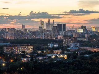 Московских окон негасимый свет. Снято с БЦ Лотос, ул Одесская.