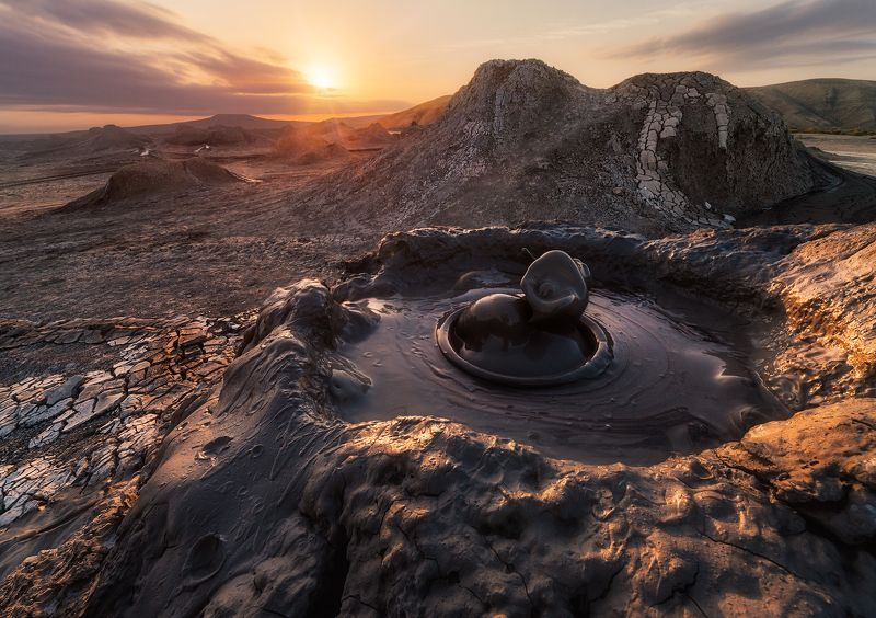 Грязевые вулканы Гобустана, Азербайджанphoto preview
