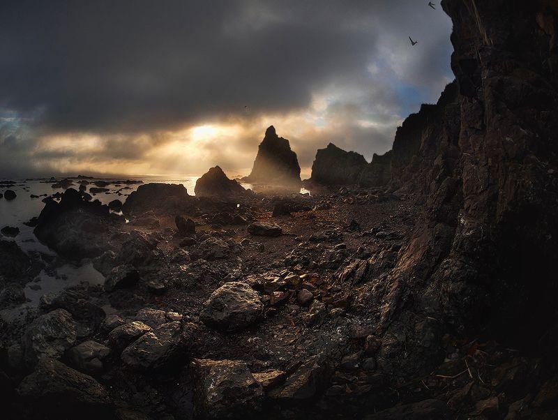 Рассвет на Драконьем камне..photo preview