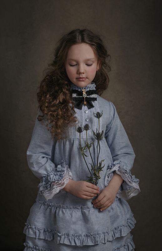 девочка, Алиса в стране чудес, стилизация Алиса photo preview