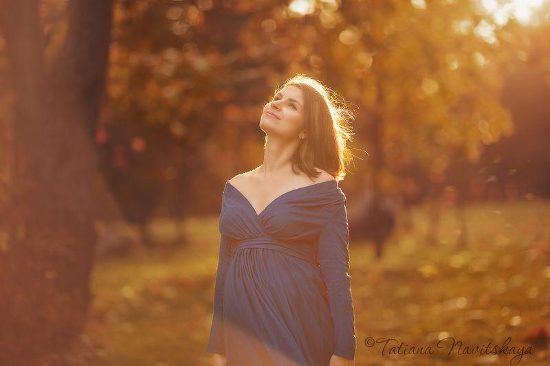 беременность, скоро мама, в ожидании, осень, листья, красный, синий, счастье, ожидание В ожидании чудаphoto preview