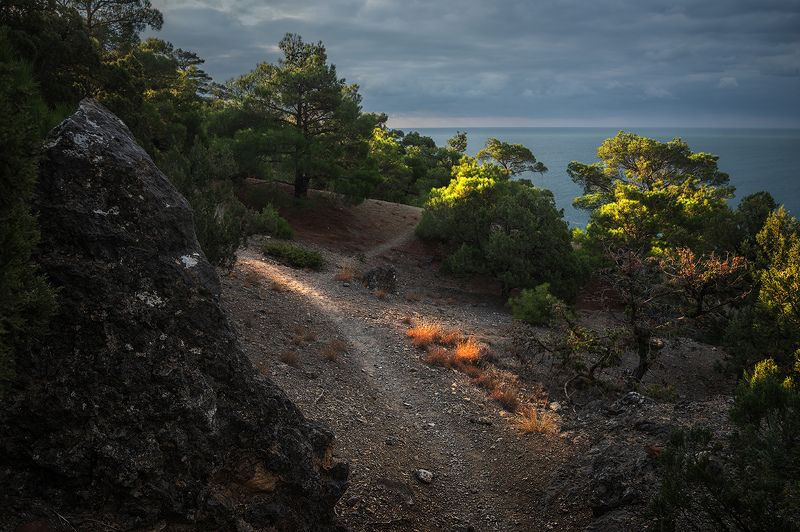 крым караул-оба На крымских тропинкахphoto preview