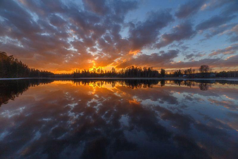 река отражение закат солнце пейзаж природа облака вода Огненные краски уходящего заката.photo preview