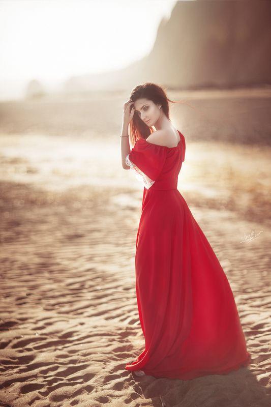 девушки портрет море красное *photo preview