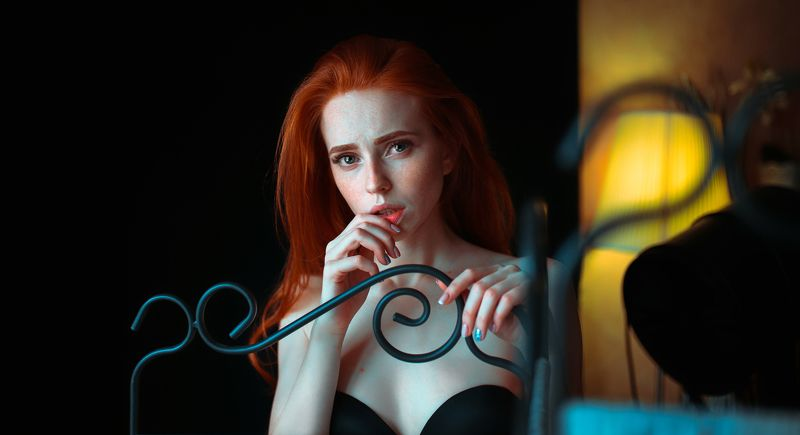 portait girl model eyes redhead freckles веснушки рыжая bokeh * * *photo preview