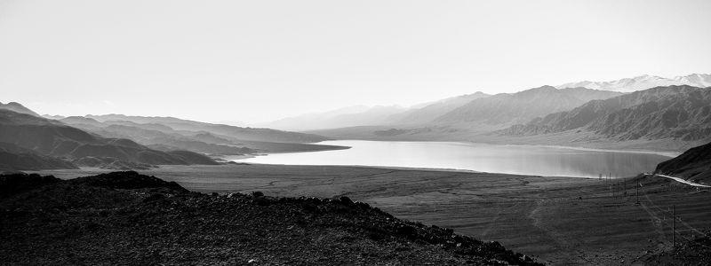 горы, природа, пейзаж, черно-белое, водохранилище, озеро, вода Орто-Токойское водохранилищеphoto preview