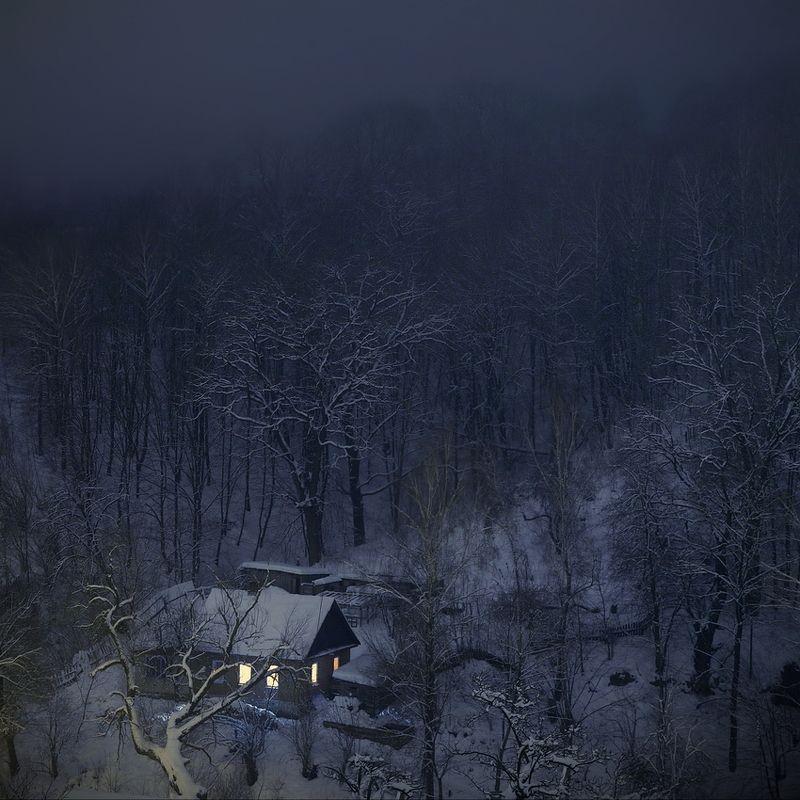 Жила зима в избушке...photo preview