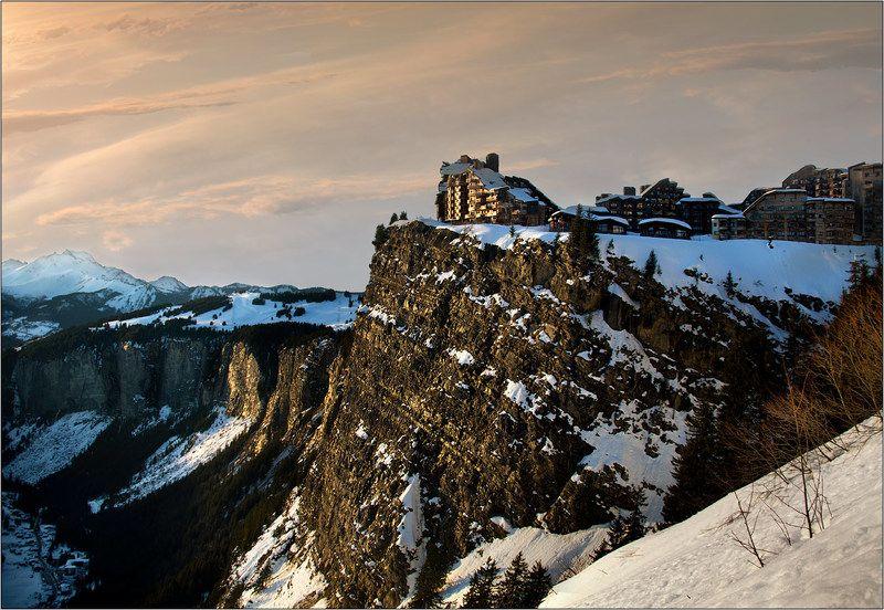 авориаз франция горы вечер avoriaz закат Город на скалеphoto preview