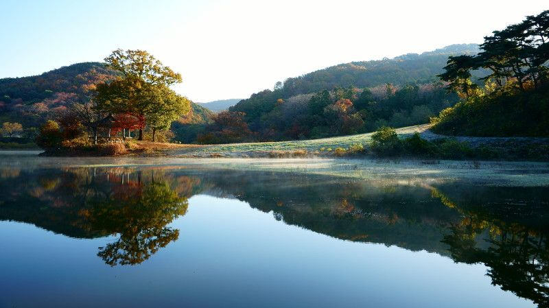 korea,autumn,morning,landscape,reservoir,reflection,mountain,pog,fine tree Morning lightphoto preview