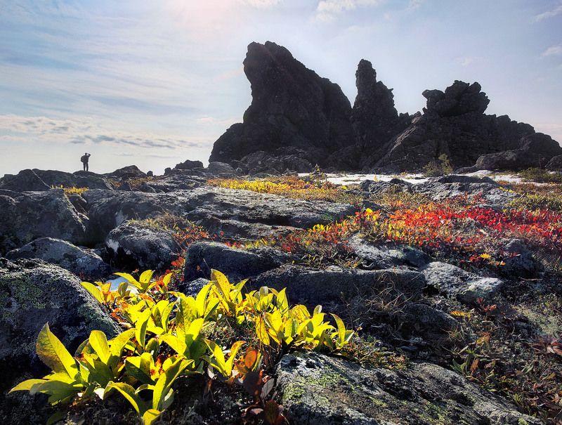 Осень, Урал, горы, скалы В отрогах Серебрянского камняphoto preview