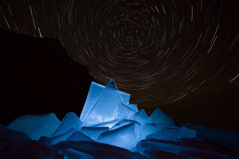 лед, байкал, ночь, зима, холод, звезды, треки, волшебство, магия, путешествия, антон селезнев Волшебство байкальского льдаphoto preview