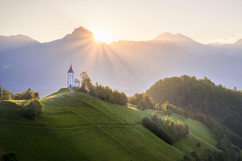#eurotrip #adventure #travel #slovenia #trip #sunrise #church #alps #mountains #green #wake up #journey #summer \
