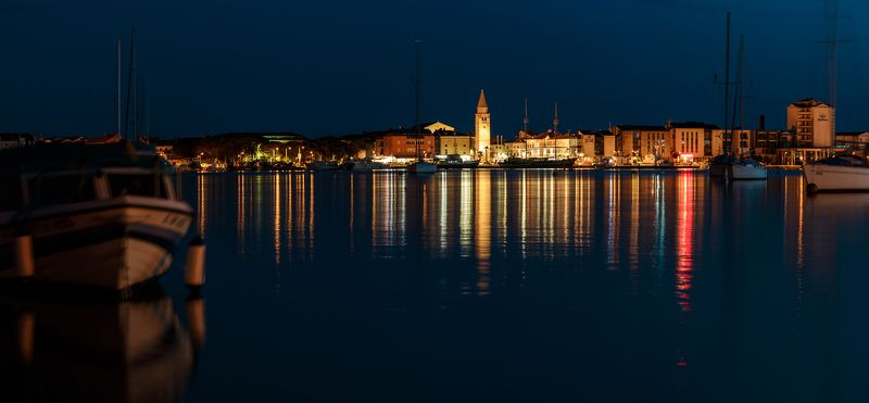 night,cityscape,city,town,umag,europe,old,tower,sea,harbor,bay,ship,boat,light,gold,yellow,blue Night harborphoto preview