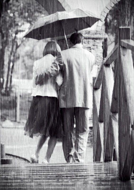 Шёл дождь и влюбленная пара ;)photo preview