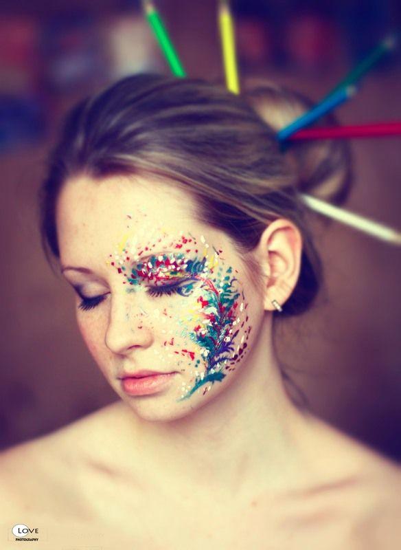 Краски, карандаши и Илянаphoto preview