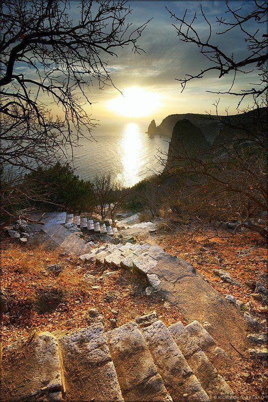 море, пейзаж, крым, закат, горы, ступеньки, фиолент Спуск к солнцуphoto preview