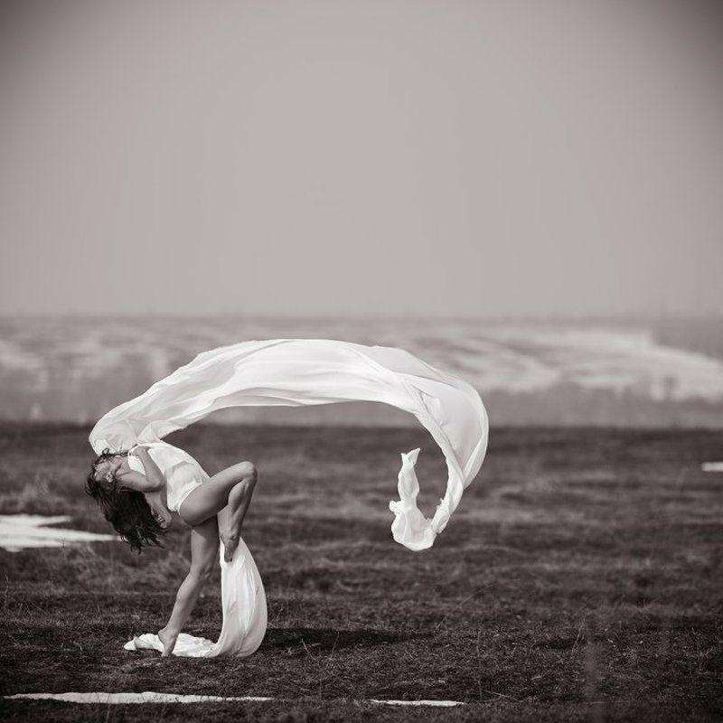 ветер, ткань, девушка ***photo preview