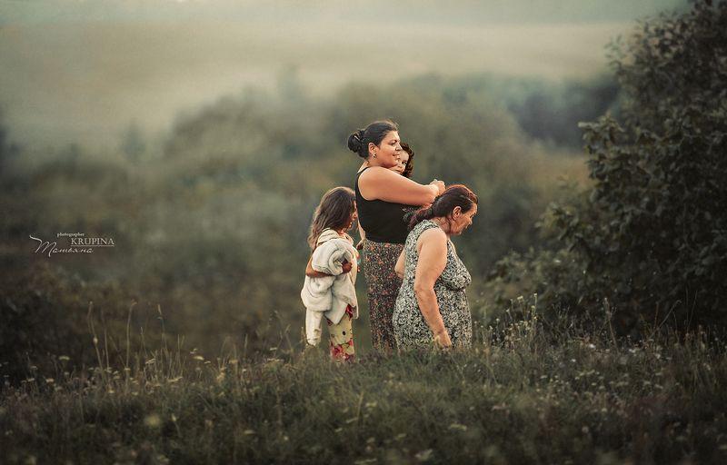 семья, природа, цыгане,закат, дети, трава photo preview