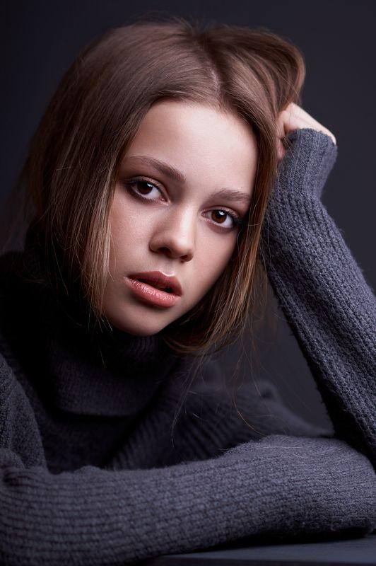 портрет, девушка, portrait, girl, eyes, beauty, low key Машаphoto preview