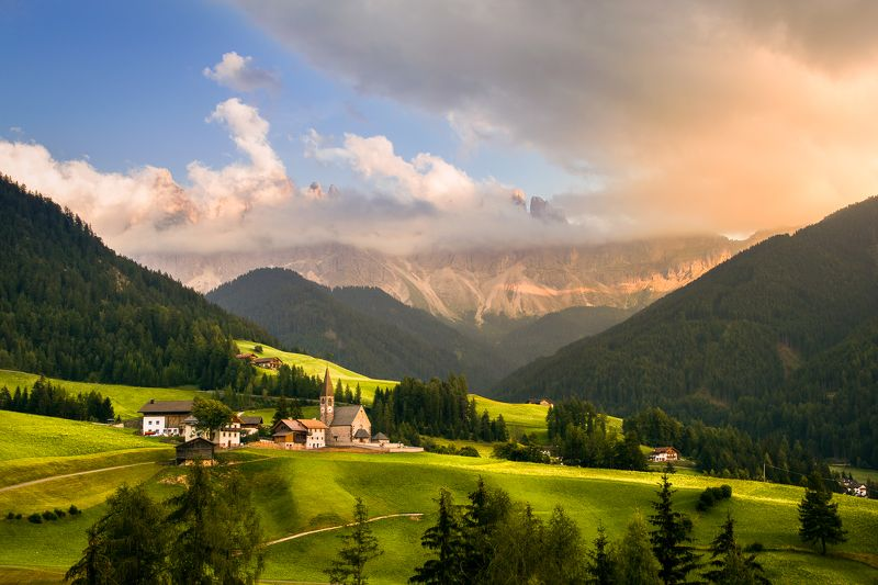 #eurotrip #adventure #travel #trip #sunrise #church #alps #mountains #green #sunset #journey #summer #santa madalenna Dream viewphoto preview
