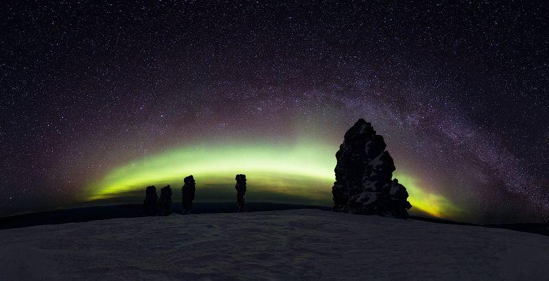 Маньпупунёр, маньпупунер, северное сияние, ночь, звезды, пейзаж, коми, млечный путь, зима, северный урал Ночь на плато Мань-пупу-нёрphoto preview