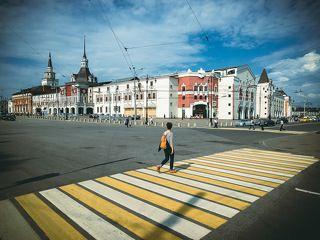 Я шагаю по Москве.