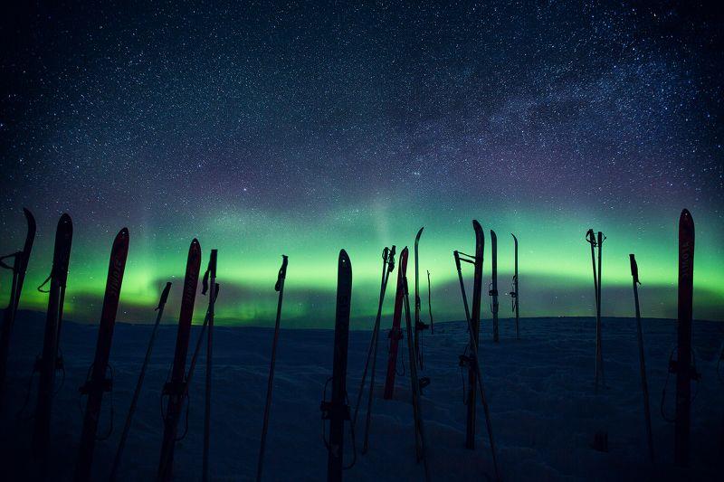 Маньпупунёр, северное сияние, звёзды, ночь, лыжи, млечный путь, Север, Коми, Урал Лыжная, морозная!photo preview