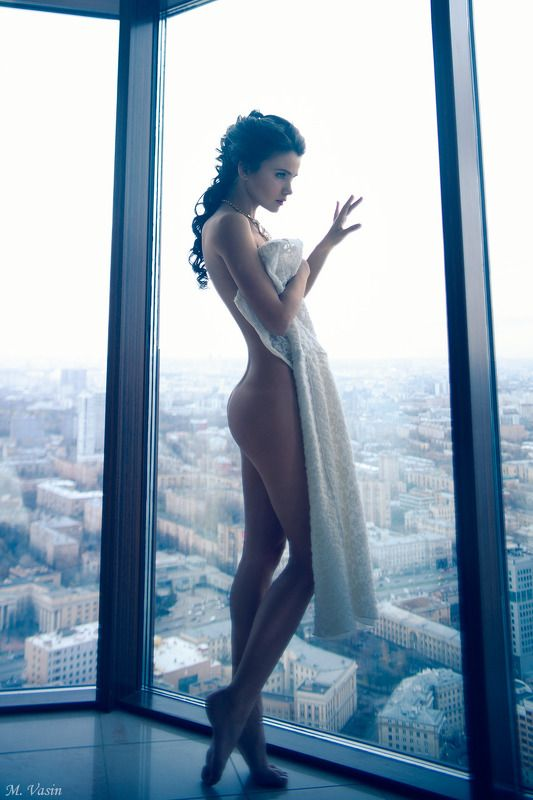 girl, model, sexy, nude, color, sight Cold city sightphoto preview