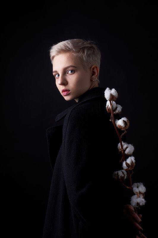 портрет, девушка, portrait, girl, eyes, beauty, low key Дашаphoto preview